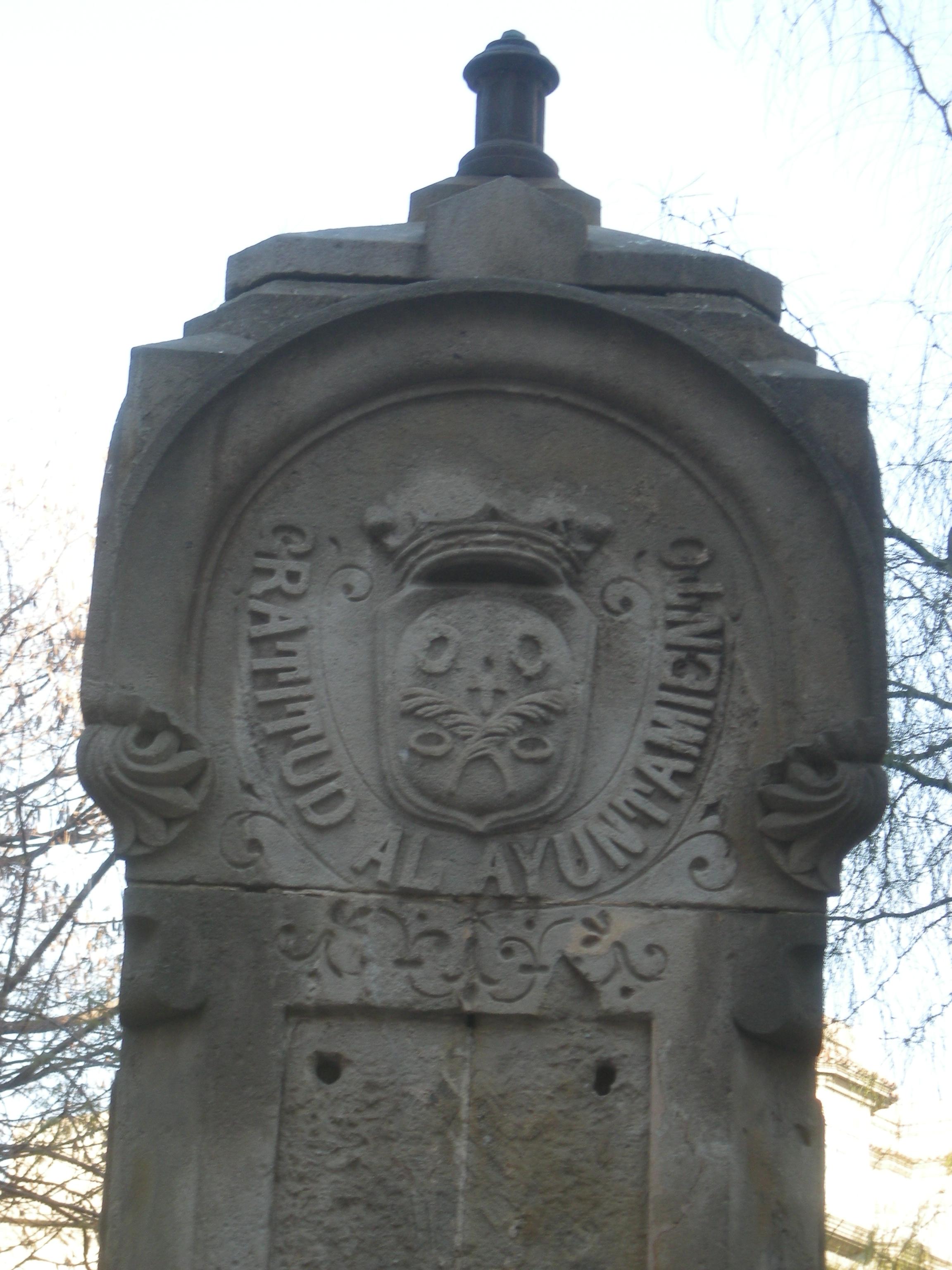 Font de la plaça Molina (2)