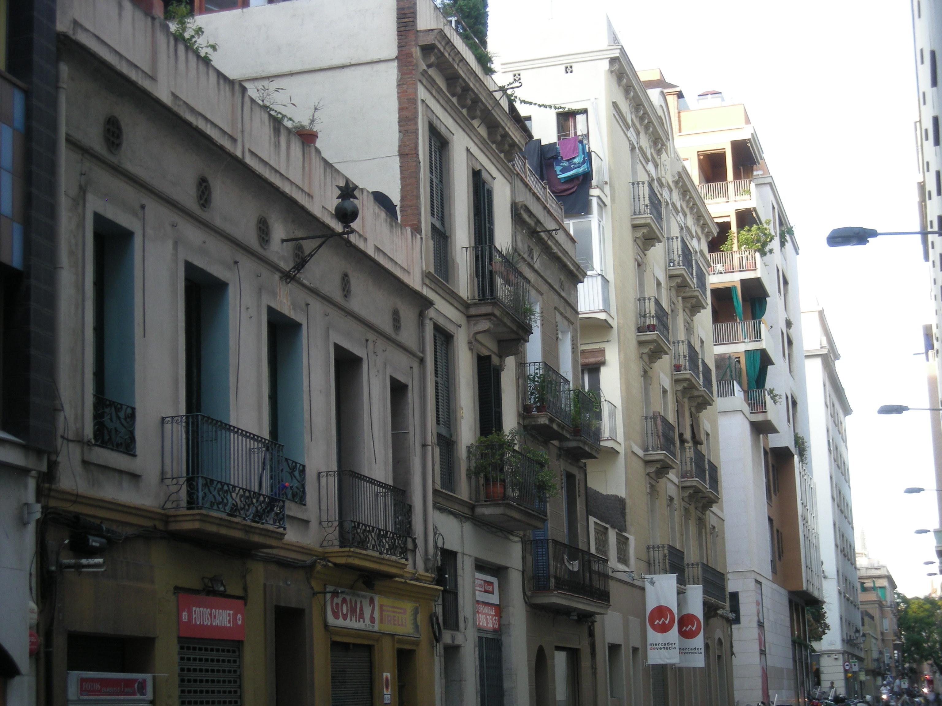 La Granada, 6, 8, 10 i 12